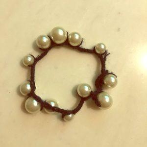 Pearl yarn bracelet